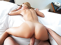 Hard fuck for a stunning blonde after a short porn interview
